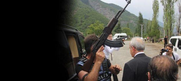 Kılıçdaroğlu'na  Şavşat  yolunda saldırı, bir asker şehit oldu